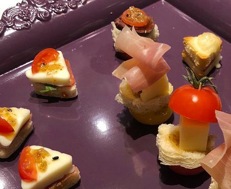 Canapé et mini-crocs - Sauce Sésame & Piment du Japon