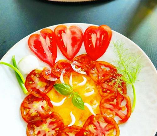 Carpaccio de tomates - Sauce N'oye Gingembre