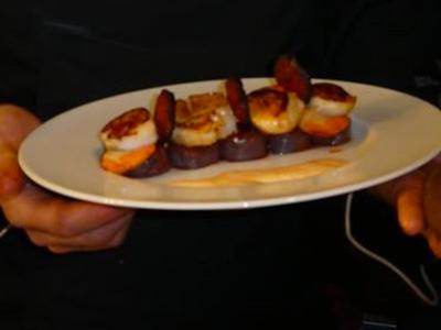 Millefeuille de Saint-Jacques & pommes de terre vitelotte laquées