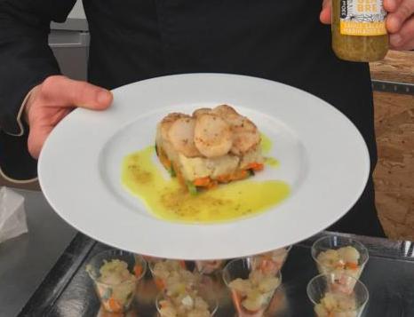 Noix de Saint-Jacques « snackées » & risotto crémeux normand, fondue de carottes & poireaux