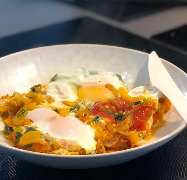 Des œufs frais à l'étouffée - Sauce Gingembre